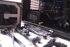 Componentes individuais de um computador pessoal Fonte de alimentação do computador pessoal foto de stock