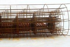 Componenti d'acciaio nel cantiere - costruzione Fotografia Stock Libera da Diritti