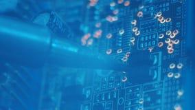 Componenti elettronici di saldatura di riflusso della disposizione del PWB stock footage