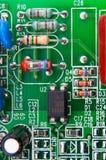 Componenti elettronici montati su una scheda madre Fotografia Stock Libera da Diritti
