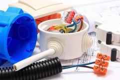 Componenti per le installazioni ed i diagrammi elettrici della costruzione Fotografia Stock Libera da Diritti