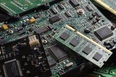 Componenti usate di prodotti elettronici di consumo Memorie di RAM, dischi rigidi, schede di espansione immagini stock