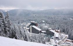Composé d'hôtel sur la station de sports d'hiver Borovets, Bulgarie Photographie stock