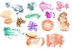 Composez l'ensemble de divers fards à paupières et isolat écrasés de poudre Image stock