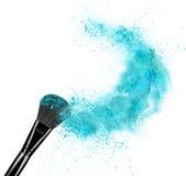 Composez la brosse avec l'éclaboussure de poudre d'isolement sur le fond blanc Images libres de droits