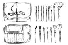 Composez la caisse avec la brosse n'importe quelle taille pour le maquilleur professionnel Image libre de droits