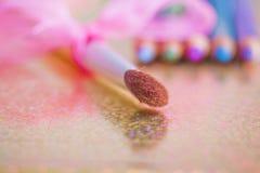 Composez le balai et les eyeliners unfocused Photographie stock
