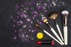 Composez les outils et le fard à paupières lâche Photos stock