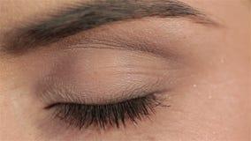 Composição bonita do olho fêmea, macro da forma vídeos de arquivo