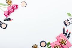 Composição colocada lisa festiva das caixas de presente fotos de stock