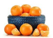 Composição com os tangerines isolados no branco Fotos de Stock