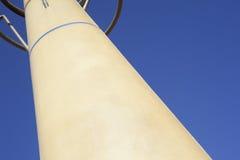 Composição com torre moderna fora Imagens de Stock