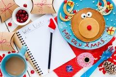 Composição com vários objetos - lista de objetivos pretendidos do Natal, rena Imagens de Stock Royalty Free