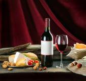 Composição com vinho Imagem de Stock Royalty Free