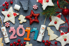 Composição 2017 - conceito do ano novo feliz do feriado com gingerbre Fotografia de Stock