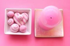 Composição cor-de-rosa com vela Fotos de Stock Royalty Free