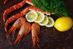A composição da carne do camarão e de caranguejo Fotografia de Stock