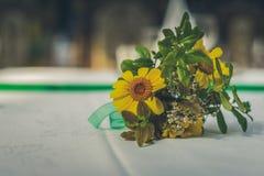 Composição da flor do verão Rústico tonificado foto de stock