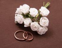 Composição das alianças de casamento Fotografia de Stock Royalty Free