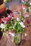 A composição das flores postcard  fotografia de stock