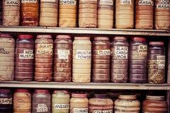 Composição de muitos chás e ervas diferentes das especiarias Fotografia de Stock Royalty Free
