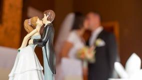Composição do beijo do casamento Fotografia de Stock