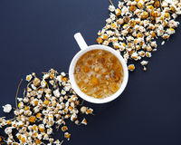 Composição do chá de camomila Fotografia de Stock Royalty Free