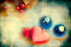 Composição do Natal com corações vermelhos Fotografia de Stock