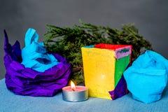 Composição do Natal com vela ofício feito à mão da vela do papel do Natal Imagens de Stock Royalty Free