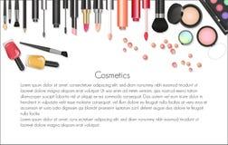 Composição dos cosméticos da beleza com ferramentas cosméticas Fundo colorido dos cosméticos, escovas e outros fundamentos Fotos de Stock