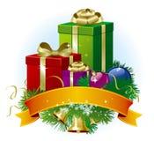 Composição dos presentes do Natal, das decorações do Natal e dos flocos de neve Foto de Stock