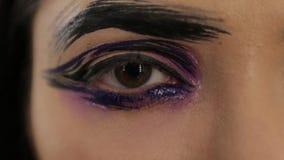 Composição fêmea do olho colorido filme