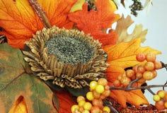Composição, ramalhete de flores secadas, bagas, e folhas Fotos de Stock Royalty Free