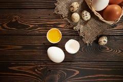 Composição rural dos ovos sortidos Fotos de Stock