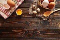 Composição rural dos ovos sortidos Fotografia de Stock
