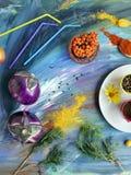 Composição sazonal decorativa dos vegetais, das especiarias, dos frutos e das flores foto de stock
