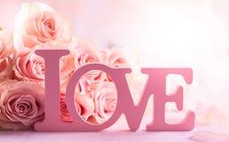 Composición de la flor con las rosas imagen de archivo libre de regalías