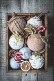 Composición acogedora de la Navidad de las vacaciones de invierno con el espacio para el texto foto de archivo libre de regalías