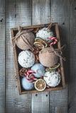 Composición acogedora de la Navidad de las vacaciones de invierno con el espacio para el texto fotos de archivo libres de regalías