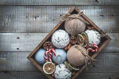 Composición acogedora de la Navidad de las vacaciones de invierno con el espacio para el texto foto de archivo
