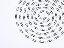 Composición blanco y negro de los clips de papel espiral Imagenes de archivo
