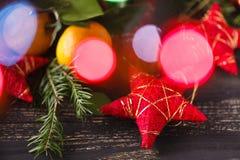 Composición brillante de la Navidad con la estrella roja Fotografía de archivo