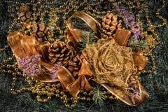 Composición con bolas de la decoración del árbol de navidad y de la Navidad, Fotografía de archivo libre de regalías