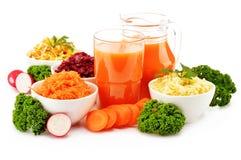 Composición con cuatro cuencos de ensalada vegetales Imagen de archivo libre de regalías