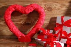 Composición con el corazón para todos los amantes Foto de archivo