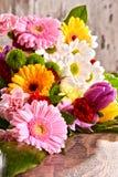 Composición con el ramo de flores Imágenes de archivo libres de regalías