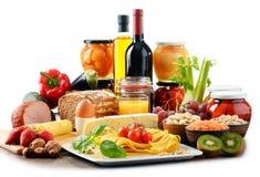 Composición con la variedad de productos alimenticios de alimento biológico Imagenes de archivo