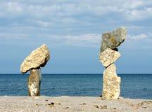 Composición con las diversos piedras y mar Fotos de archivo libres de regalías