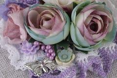 Composición con las flores de la tela Fotos de archivo