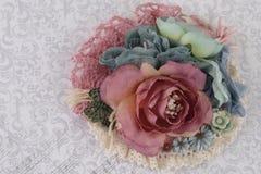 Composición con las flores de la tela Imagenes de archivo